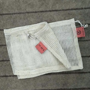 Cotton mesh bag with label